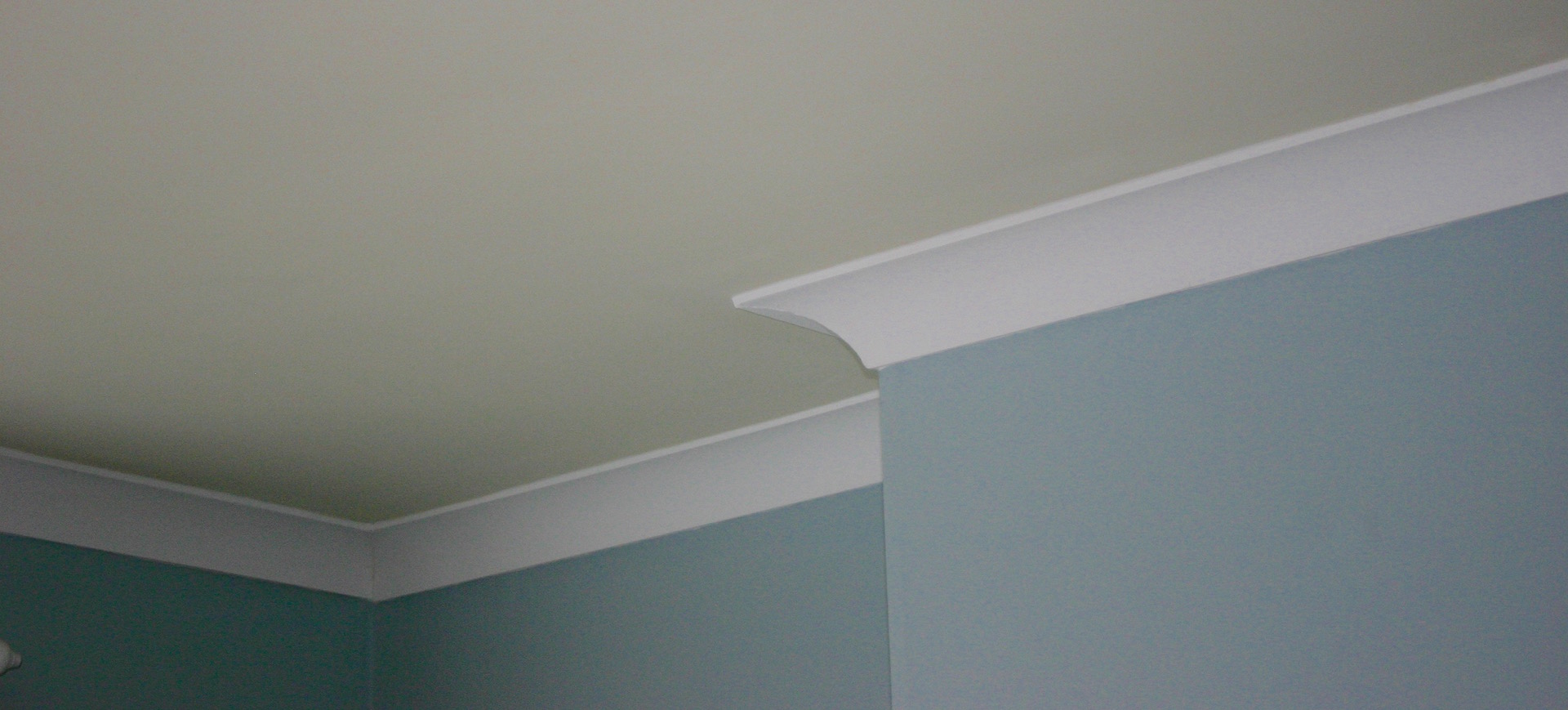 How To Paint Where Wall Meets Ceiling